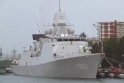 ソマリア海賊 フリゲート艦を狙うも全員捕縛。当然→…。
