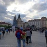 『チェコ旅行記15 プラハの旧市街広場で時計塔を見て、ハードロックカフェのギターシャンデリアに感動』の画像