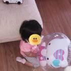 『あーちゃんより1歳以上の子や1ヶ月違いの子に風船を貸してと言われたところ「ちゃちゃの!ちゃちゃの!」と泣き出して貸そうとしませんでした!』の画像