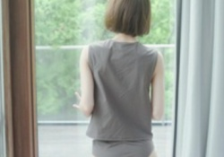【画像】若月佑美さんの写真集に興味がある奴っておるんか....