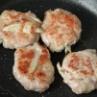 味噌味がご飯に合う!「鶏ごぼうつくね」と「野菜のレンジ炒め」2品弁当