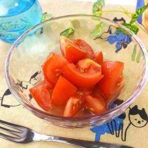 混ぜるだけの簡単デザート♪トマトのハニーシナモン