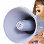 【賛否両論】「子供の声は騒音」という意見に対し「お前も昔、子どもだっただろ」などと反発の声!