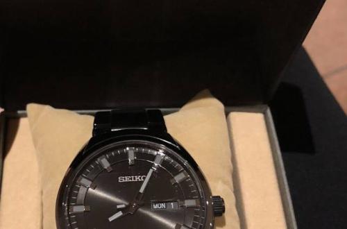 【朗報】ワイ将、人生初の腕時計を買ッタから見てくれwwwwwwwwwwwのサムネイル画像