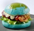 オービィ横浜の青い地球をモチーフにした「ブルーバーガー」の食欲減退効果が尋常じゃない件※画像あり