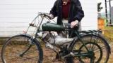 【朗報】ジッジ(95)、60年以上前の原付のエンジンを修理して別の自転車に移植するwww
