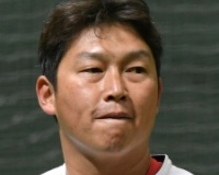引退の新井貴浩「外からいろんな勉強したい」