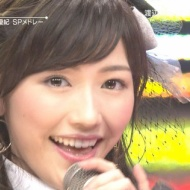 AKB48渡辺麻友ってさステージで何か白く発光してない?いったいこれはなんなの?【画像あり】 アイドルファンマスター