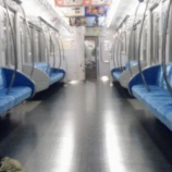 『【電車の恐怖】俺の携帯を覗き込むリーマンの正体「首しかない幽霊」』の画像