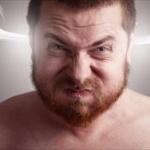 【研究】「すぐ怒る人」は実際よりも自分が賢いと考えていることが判明ww