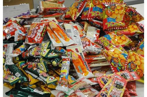 マッマ「駄菓子は体に悪いからやめなさい」10歳ワイ「はいやで」のサムネイル画像