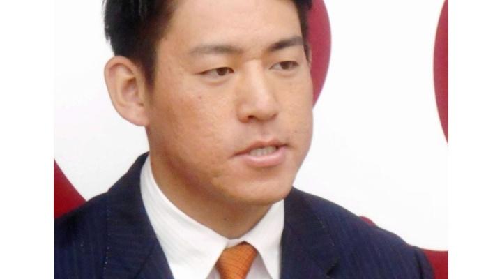 巨人・桜井俊貴投、2000万増の3000万円でサイン!