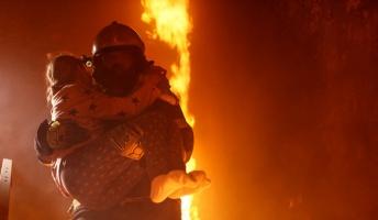【昭和の怪奇事件】火災現場から泣き声が…奇跡の生還を果たした赤ちゃん!