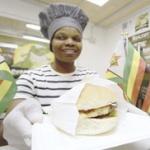 【グルメ】 ジンバブエ「ゼブラバーガー」登場、シマウマ肉で食文化の多様性を示したい