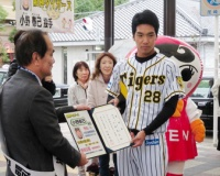【阪神】小野、来季は15勝目標 「四球王」「暴投王」返上だ