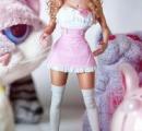 親にリアルバービー人形に仕立て上げられた26歳女性
