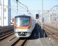 『増え続ける東京地下鉄の新型車17000系と数を減らしつつある7000系』の画像