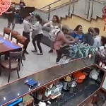 【動画】南米ペルー、中華レストランに「犬肉使ってるだろ!」と動物愛護団体が襲撃! [海外]
