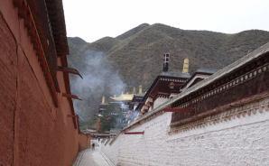 最初の目的地はチベットの