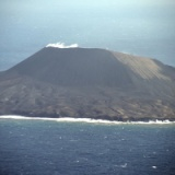 【画像】西之島の最新画像、ガチでデカすぎる→その様子がこちら