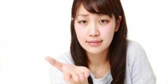 恋人同士で喧嘩をした後の仲直り方法は人それぞれなんだろうけど、許すからって理由で金品要求するのは普通なの?