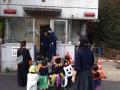 【悲報】ハロウィンの仮装集団が交番を襲撃wwwww (画像あり)