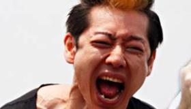 【早食い】    小林尊さん のホットドッグ69本早食い  の海外の反応