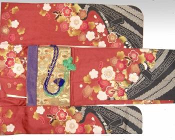 メルカリで大量に振袖着物が出品されharenohiではと疑惑の声→運営会社「現時点でそのような事実は確認されておりません」