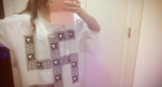 JK「まじ卐Tシャツ着てみたよ~」自撮りパシャッ