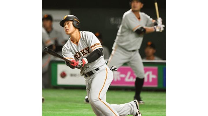 東スポ「巨人・岡本、阿部とのレギュラー争い制し開幕スタメン!」