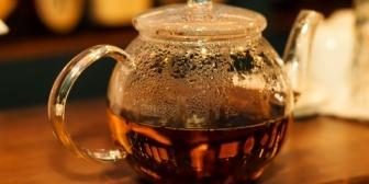 マウンティングを取りたがる友人に辟易…コーヒーと紅茶どっちが好き?くらいの会話で謎のマウントを入れてくる。