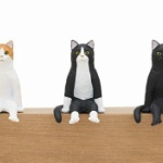 キタンクラブの人気ガチャフィギュア「座る猫」が巨大化!「座る大猫」になって登場!