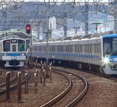小田急の通勤準急はなぜ緩行線と急行線を交互に走るのか