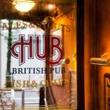 『英国風パブHUBが株主優待を導入!1,000円未満で安く美味しいお酒が手軽に飲めるのが魅力の店。』の画像