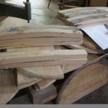 『樽のテーブル・かえるちゃん』の画像