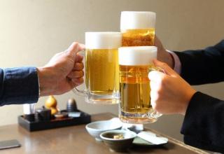 【調査】モテる男性ほどお酒を飲むことが判明 交際経験ゼロの人はお酒嫌いが多い