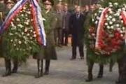 鳩山「ポーランド大統領の強い思いが事故につながった」などと意味不明なツイート。