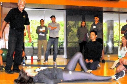 「腹筋運動」は腰痛の原因・・・バスケ協会「カールアップ」などを推奨のサムネイル画像