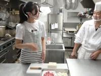 黒木料理長「カレーには豚肉」松永里愛「牛肉…」黒木「うわわわわわわわ豚一択でしょ!」