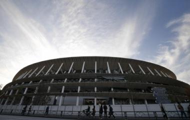 『新国立競技場と雲とホテル 2019/12/21』の画像