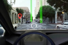 トヨタ、新開発のヘッドアップ ディスプレイをプレビュー!