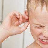『【警告】「耳に水が入った…せや!頭ブンブンして水を取り除いたろ!」←脳が損傷するらしい』の画像