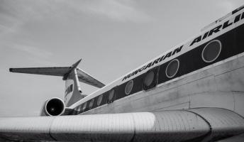 彡(^)(^)「飛行機の窓から外見たろ!」→絶望の光景が・・・