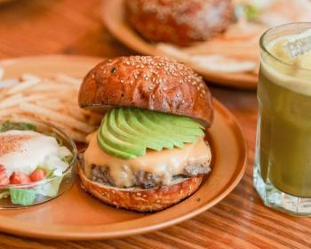 トランプ大統領と安倍首相が食べた「THE BURGER SHOP」のダブルチーズバーガーがこちら(画像あり)