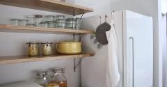 オープンキッチンの限られた収納