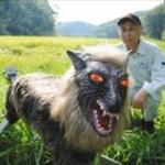 オオカミ型ロボット「スーパーモンスターウルフ」は野生動物に効果があるか?!