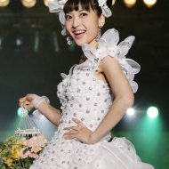 神田沙也加、ウエディングドレス姿を初披露!見せたいのは「父に」 アイドルファンマスター