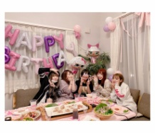 『辻希美さん娘の誕生日に人気ユーチューバー四人を自宅に招く』の画像