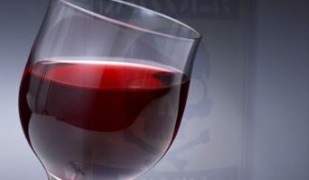 これが自力で解けたらiQ136以上らしい『毒入りのワイン』