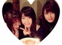入山杏奈と平松可奈子が木﨑ゆりあの誕生日をお祝い!料理を手伝う気配がない木﨑ゆりあwww